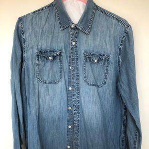 Vintage Denim Buttom Up Long Sleeved Shirt